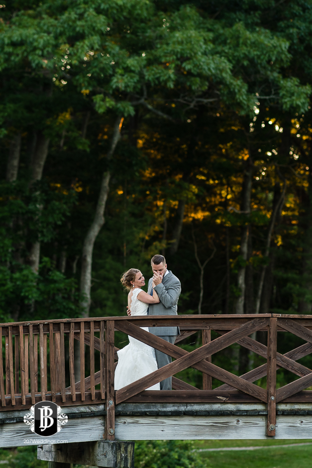 chuck-theresa-york-tennis-golf-club-wedding-photographers-near-york-maine-8.jpg