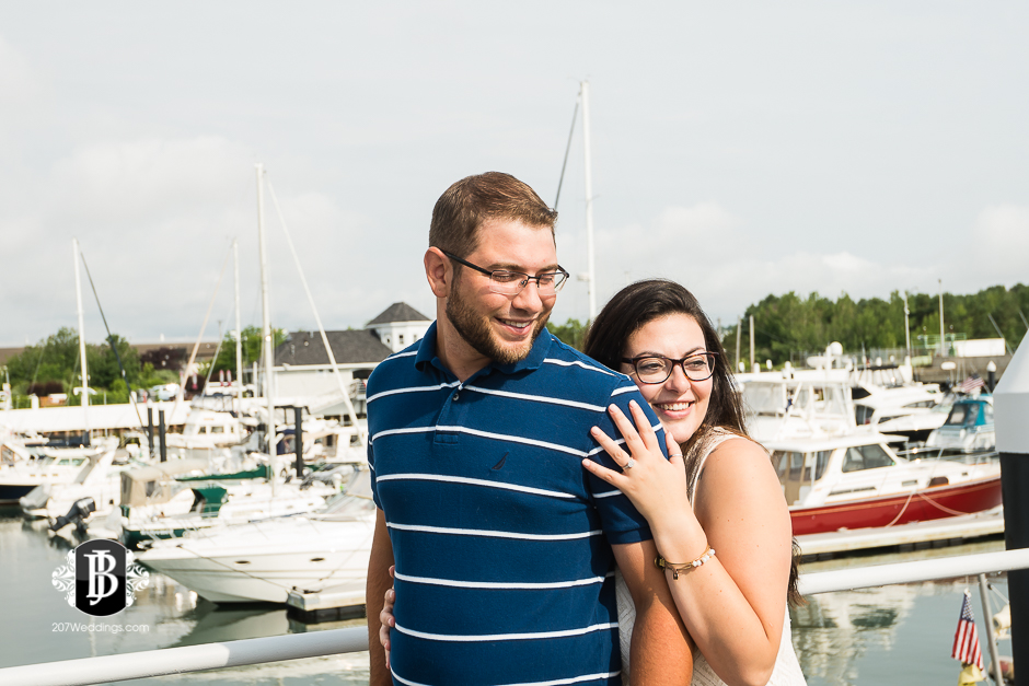 jill-alex-bug-light-portland-maine-engagement-photographers-2.jpg