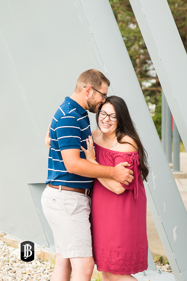 jill-alex-bug-light-portland-maine-engagement-photographers-4.jpg