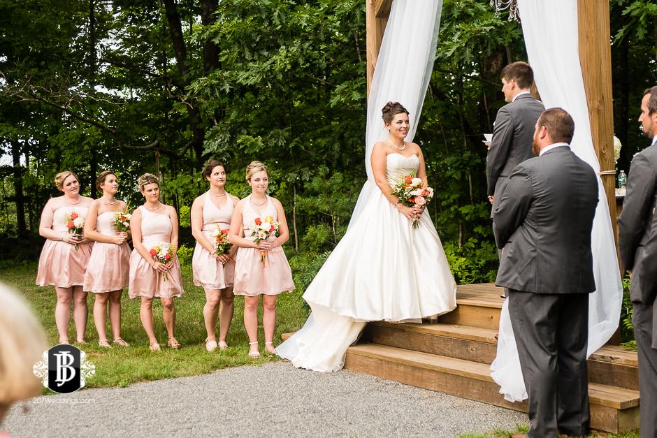 ellie-collin-barn-at-silver-oaks-estate-wedding-photographers-near-winthrop-maine-10.jpg