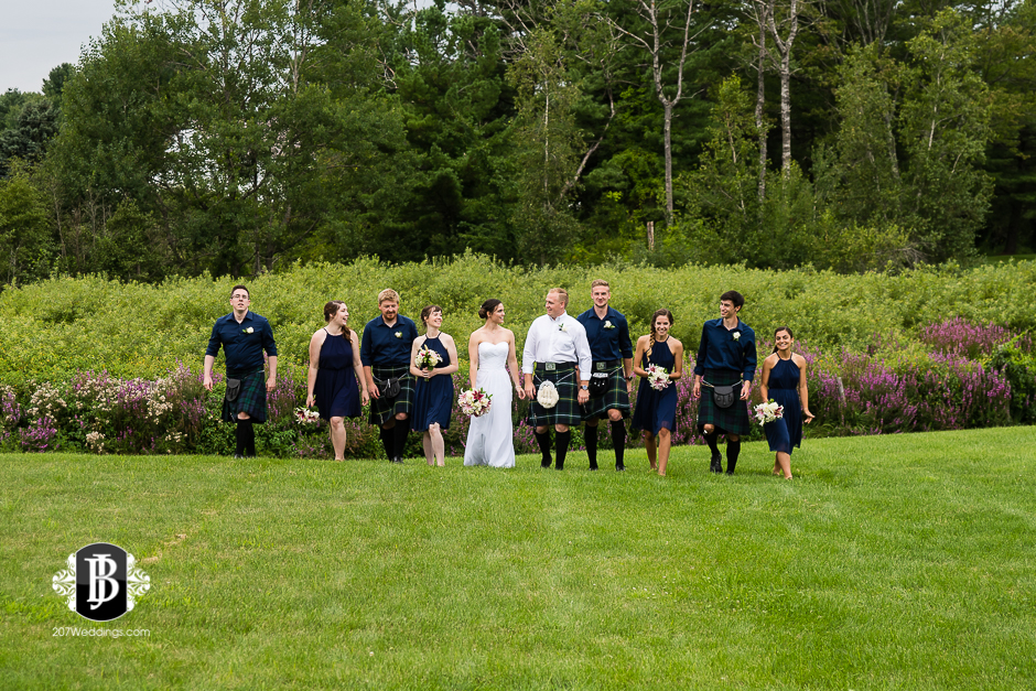 kristin-josh-flaherty-farm-wedding-photographers-near-scarborough-maine-8.jpg