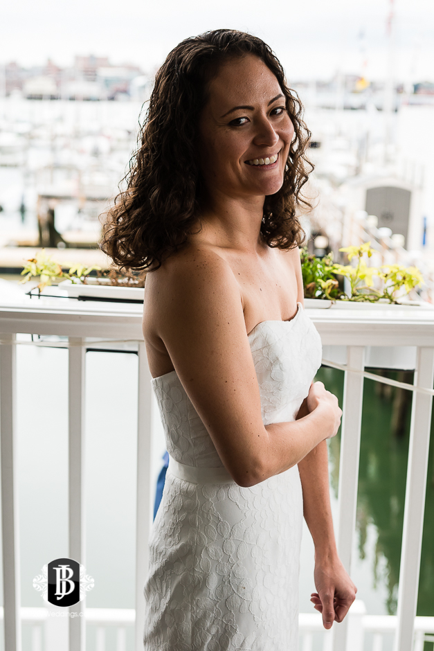 amanda-marjorie-wedding-photographers-south-portland-maine-17.jpg