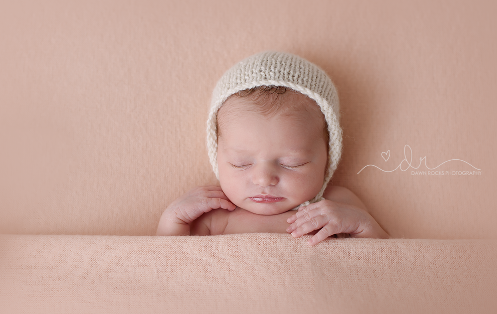 Tacoma newborn Photographer 1.png