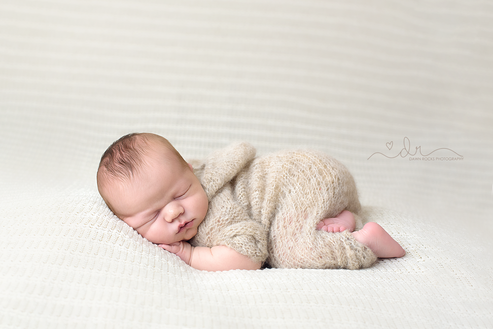 tacoma newborn photographer-6.png