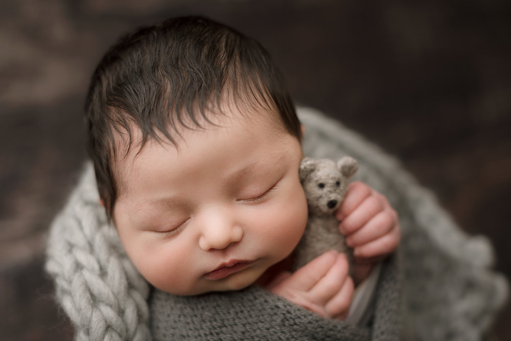 Newborn Session (32 of 72).JPG