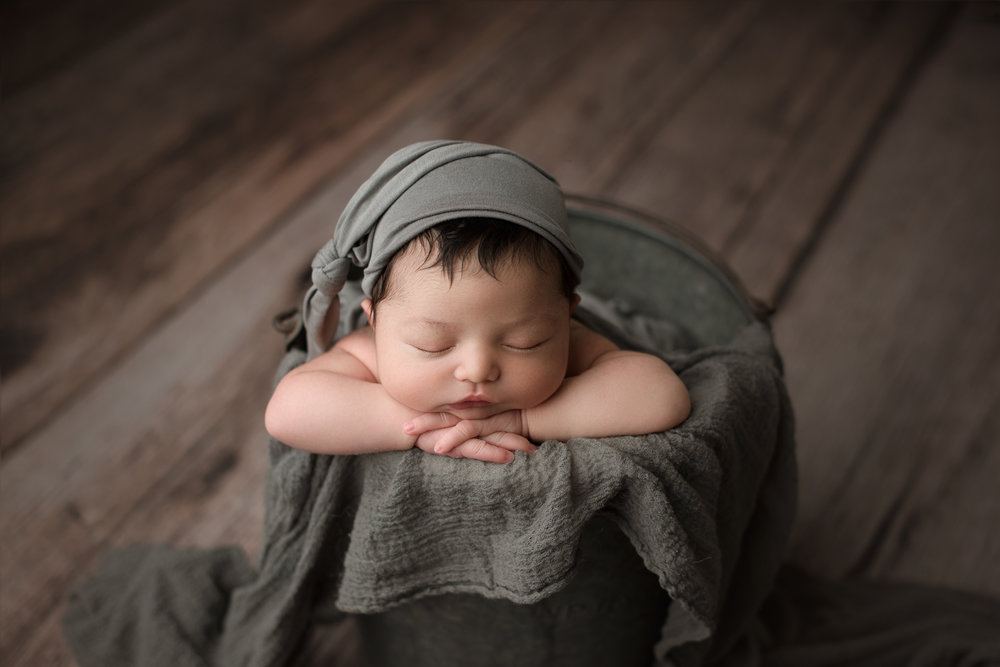 Newborn Session (38 of 72).JPG