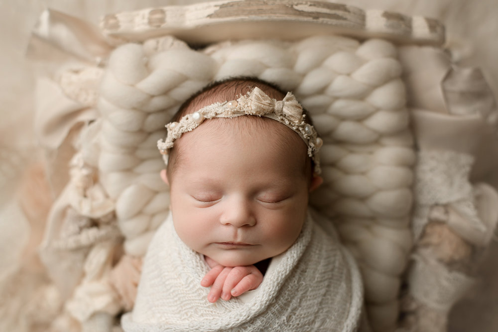 Newborn Session (6 of 94).JPG