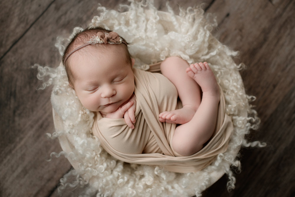 Newborn Session (64 of 94).JPG