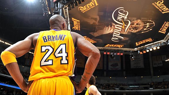 pic from  http://www.tommypoint.com/2015/11/dear-kobe-letter-from-celtics-fan.html