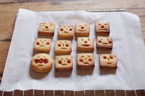 お顔クッキー