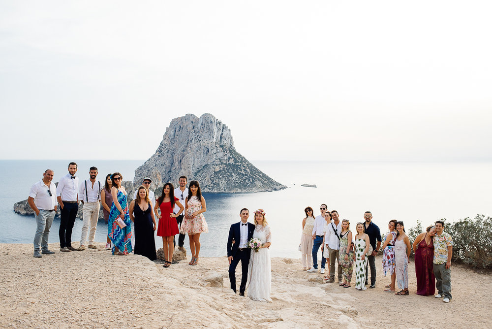 es vedra wedding group picture