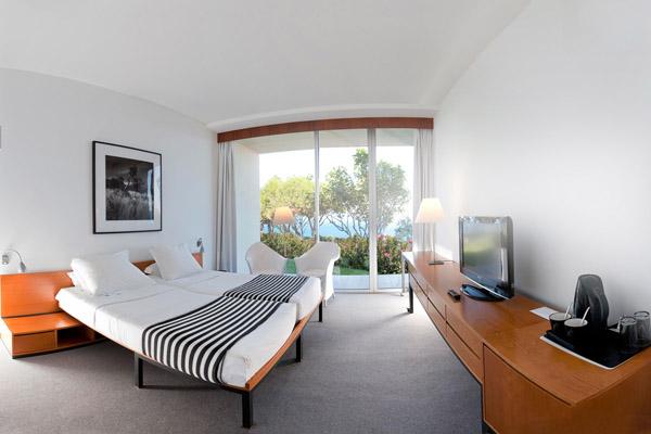 Estalagem_do_Ponta_Madeira_bedroom.jpg
