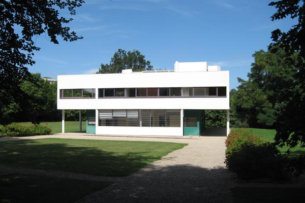 Vila_Savoye_Le_Corbusier_Design_Hunter2.jpg