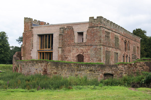 Astley-Castle-exterior2-Design-Hunter.jpg