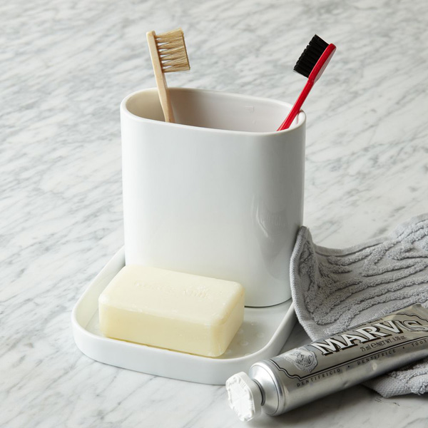 toothbrush_holder_Universal_Expert_Sebastian_Conran.jpg