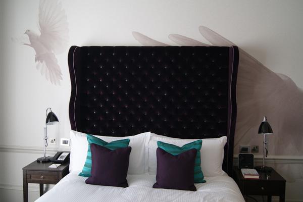 The_Ampersand_Hotel_Deluxe_Room_Design_Hunter.jpg