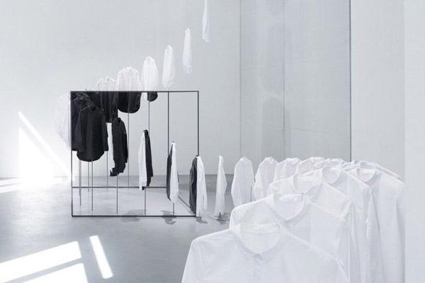 cos_nendo_black_white_shirts_installation.jpg