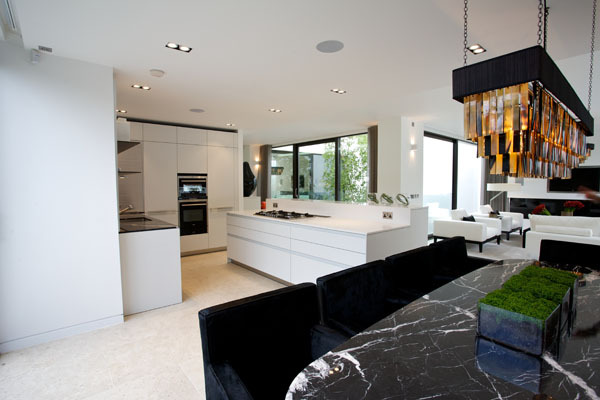 kitchen_dining_ava_house_savills_design_hunter.jpg