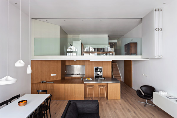A Central London Flat With Flexible Living Space Design