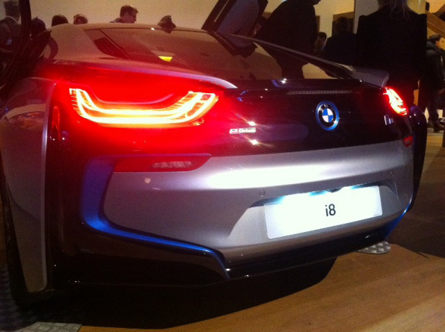 BMW_i8_Wallpaper_Design_Awards_2015