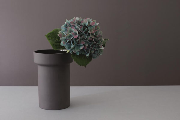 Barber Osgerby vase for Royal Doulton | Design Hunter