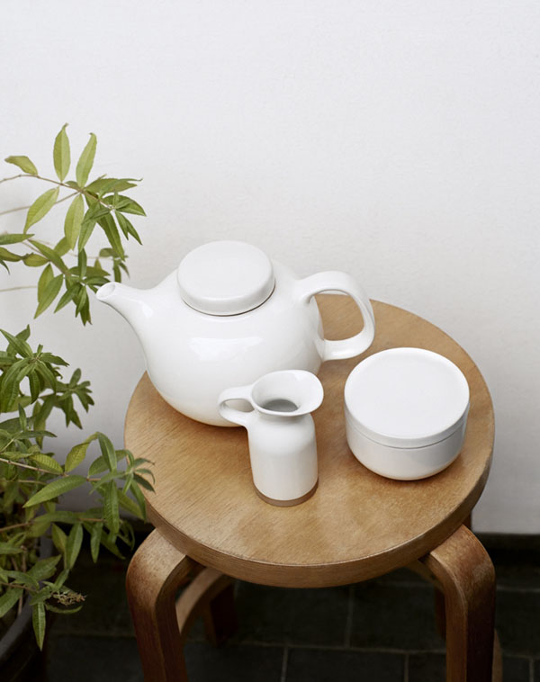 Olio tableware collection by Barber & Osgerby for Royal Doulton