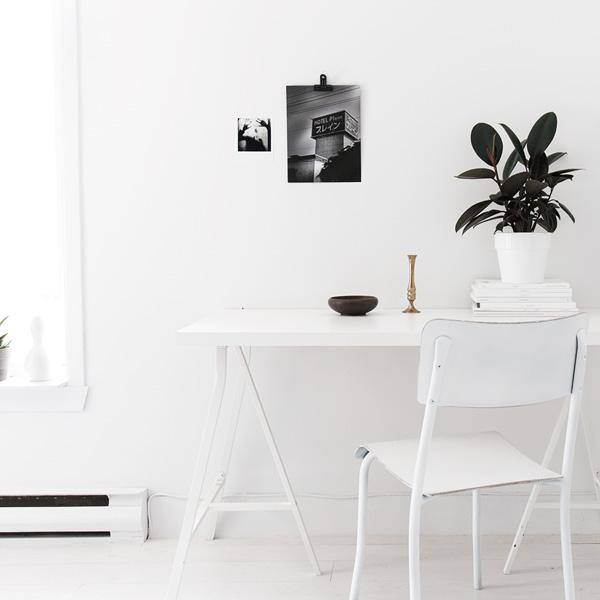 White office desk S220