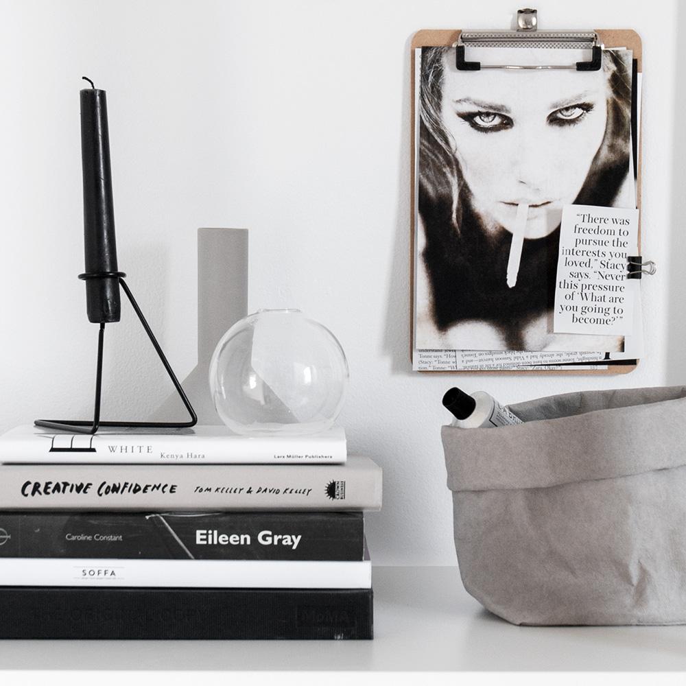Black metal candle holder