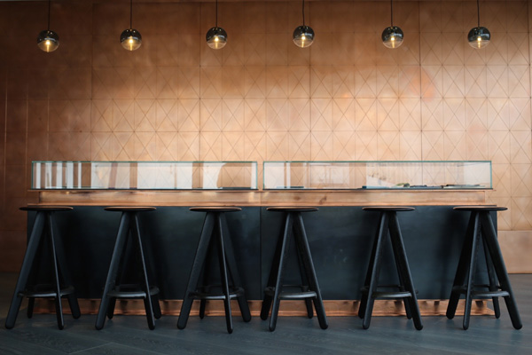 Copper wall Tom Dixon penthouse | Design Hunter
