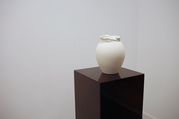 'A Tiffany vase' by Grace Schwindt | Frieze 2015