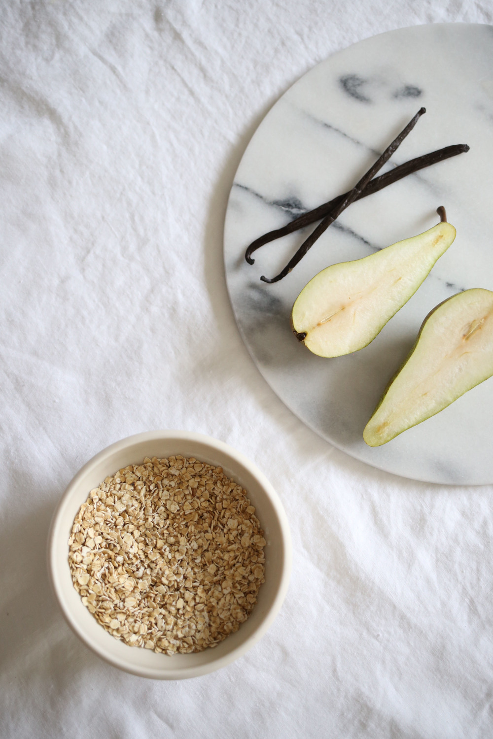 Pear and vanilla porridge | Design Hunter