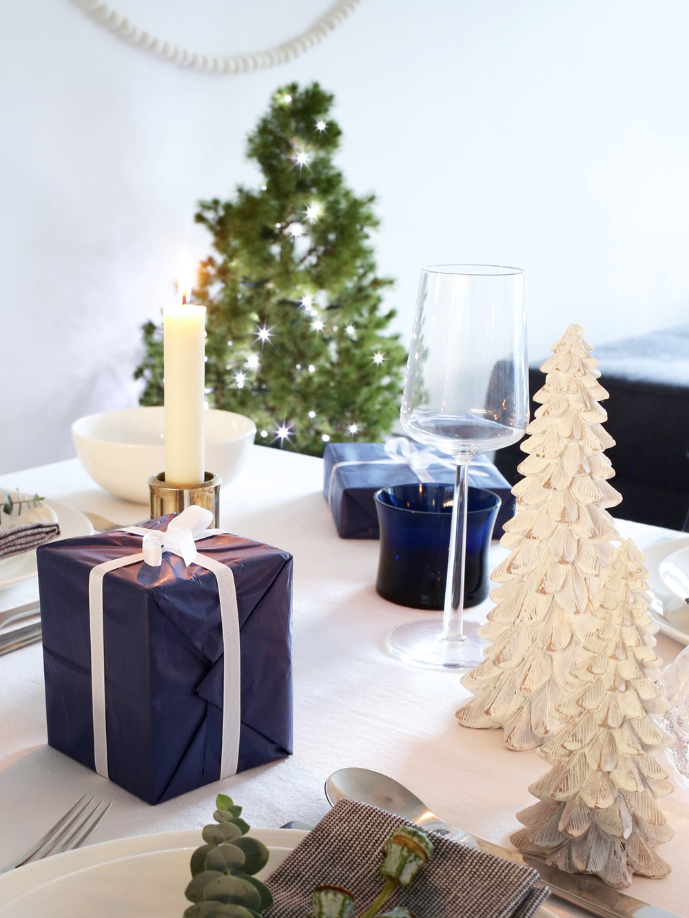 Festive Christmas tree candles | Design Hunter