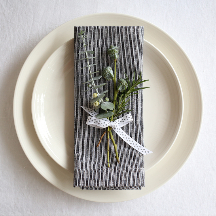Christmas place setting | Design Hunter