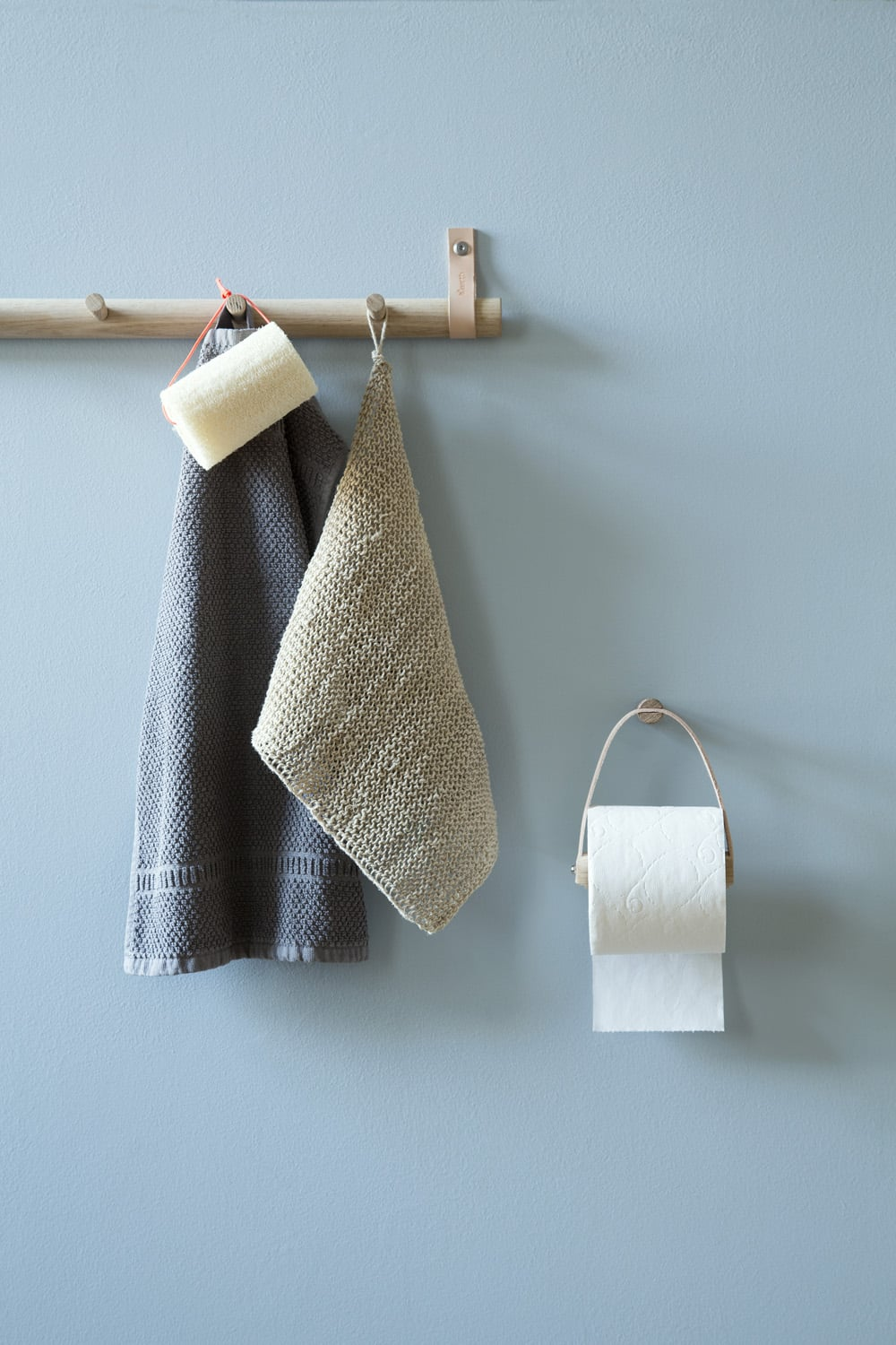 Lether and oak bathroom hooks | by Wirth