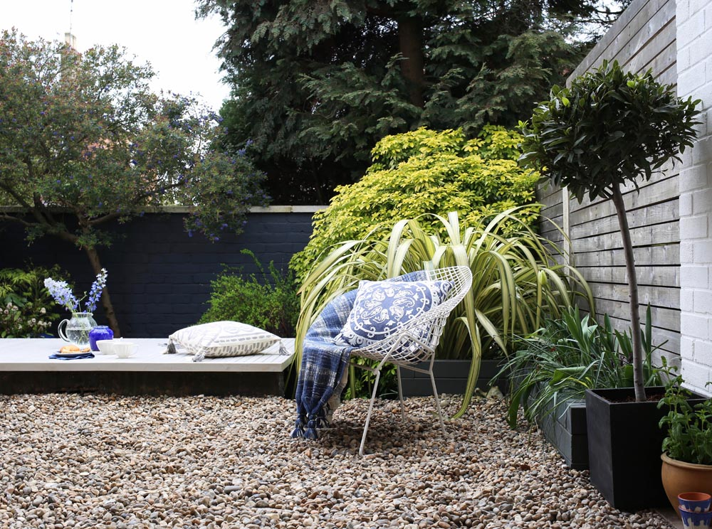 Breakfast in the garden | Design Hunter