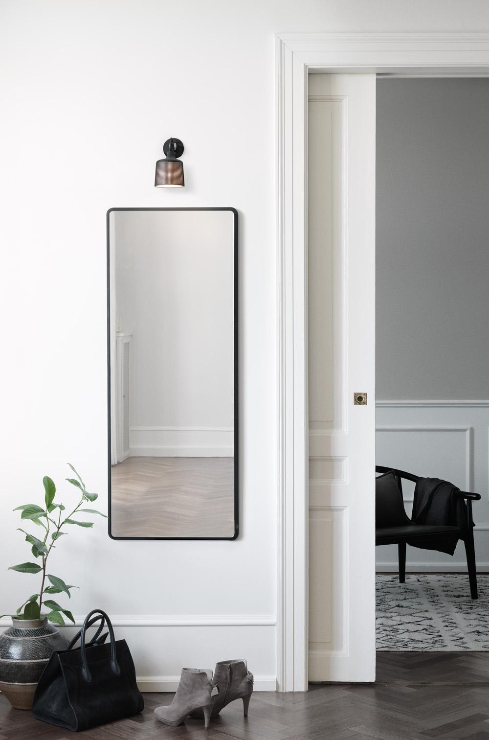 Vipp spot lamp | Design Hunter