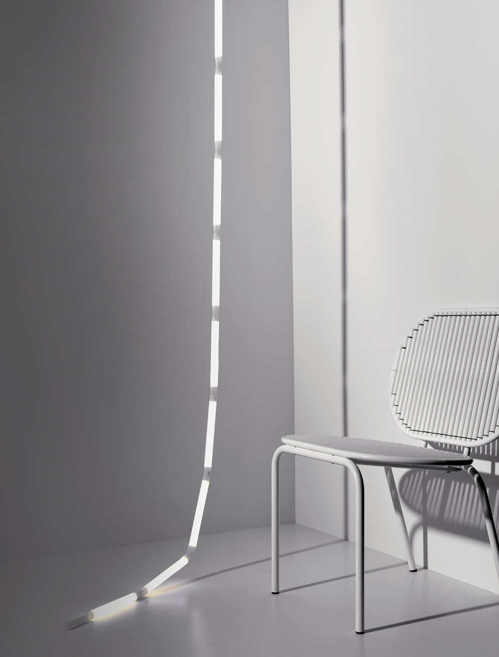 Verena Hennig rope light and Roll chair