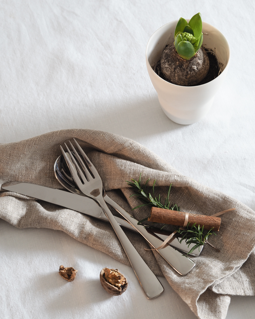 Winter table setting with Robert Welch cutlery | Design Hunter