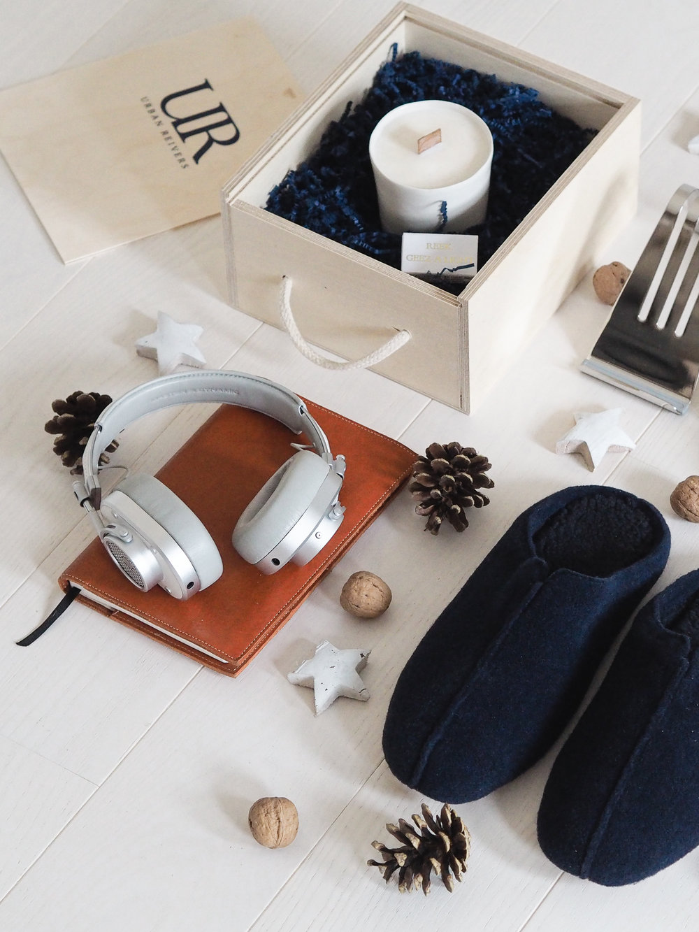 The Design Hunter Gift Guide | Gifts for Him