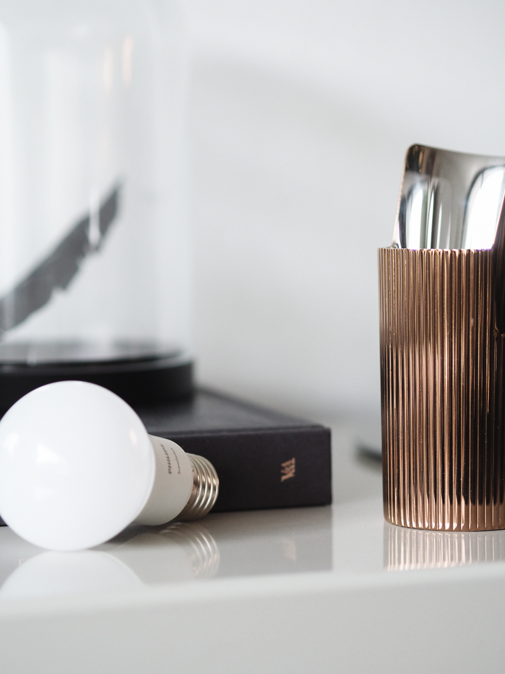 Philips Scene Switch Light Bulb | Design Hunter