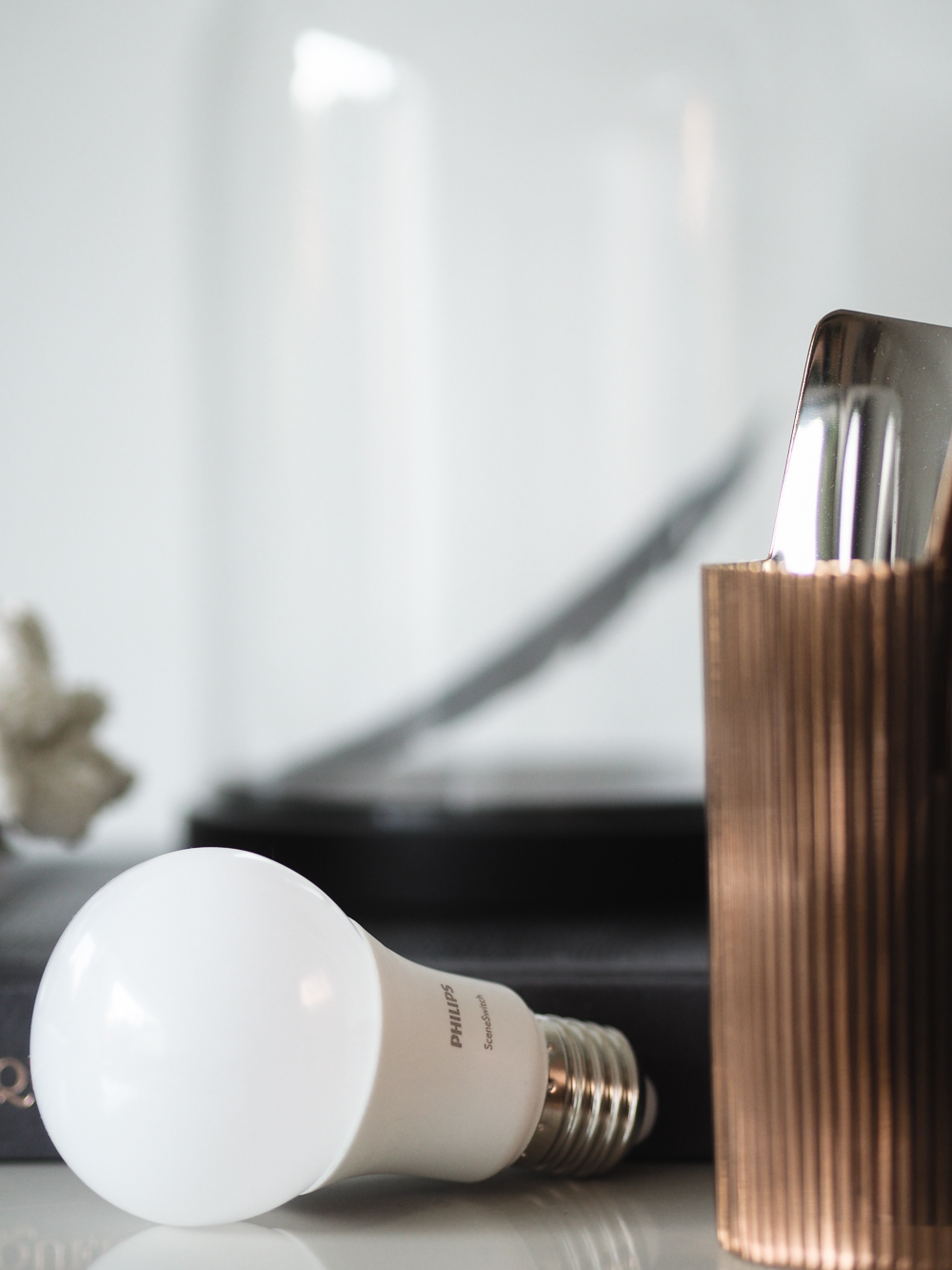 Philips Scene Switch bulb | Design Hunter