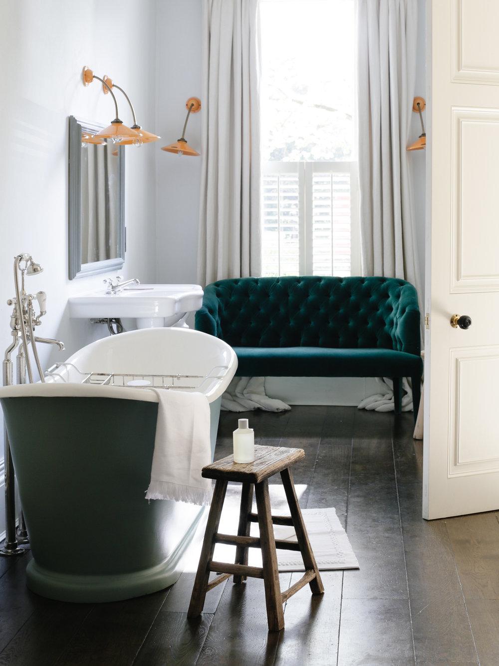 Luxury bathroom at No 38 The Park Cheltenham | Design Hunter