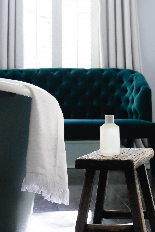 Luxury hotel bathroom | Design Hunter