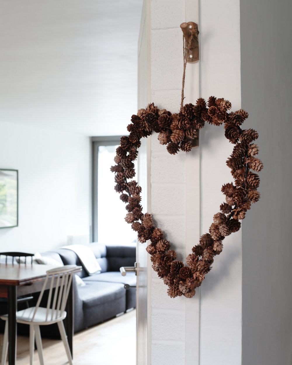 Pinecone heart wreath | The White Company | Design Hunter-1.jpg