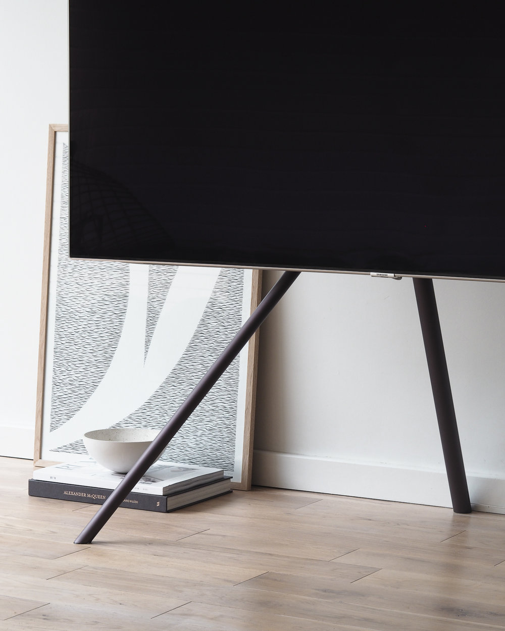 Samsung QLED TV | Design Hunter 4x5-1-9.jpg