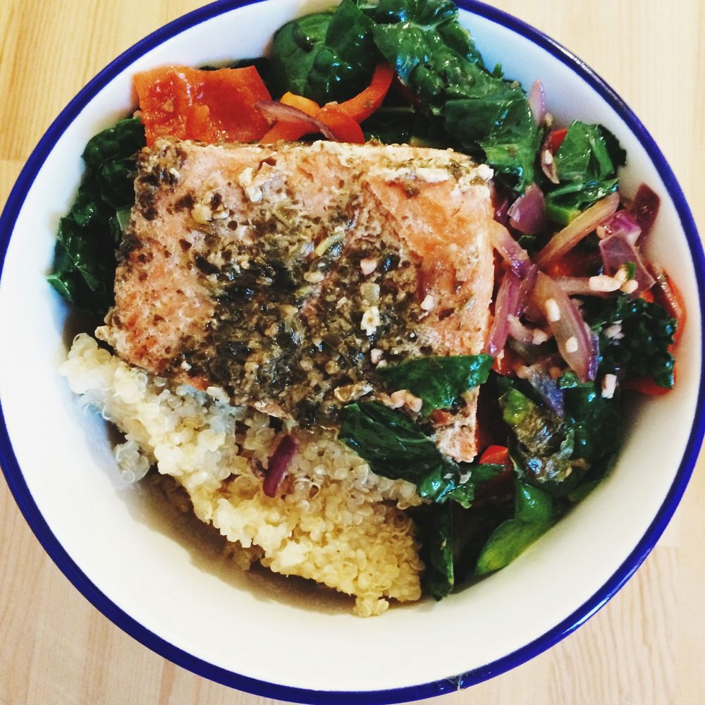Pan Fried salmon with quinoa, kale and peppers