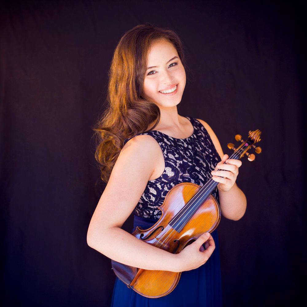 Alina Ming Kobialka, violin