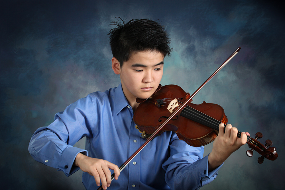 Sean Mori, violin