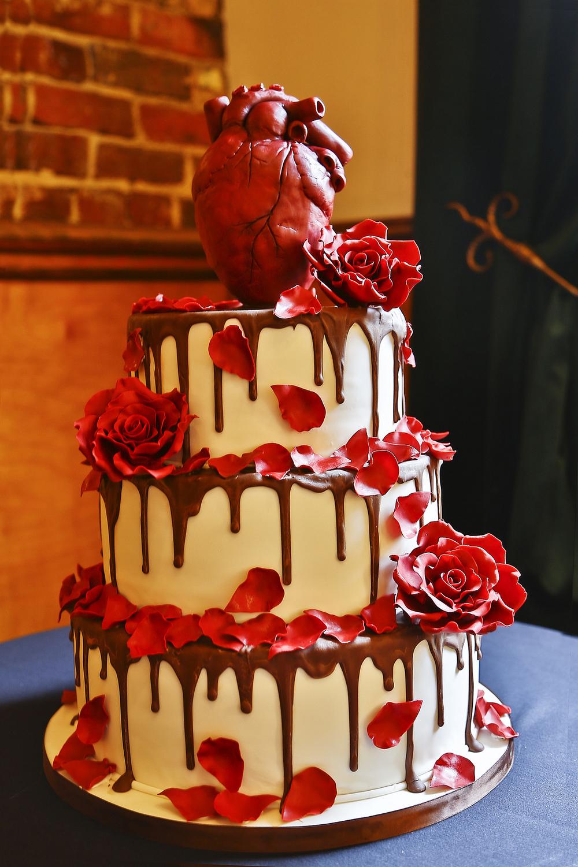 Anatomical heart cake topper (photo: Jon Cancelino )
