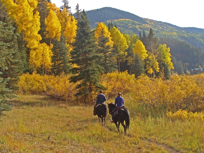 Dunton-Hot-Springs-Horseback-Riding
